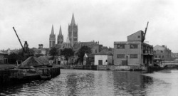 Mid 20th Century picture of the port